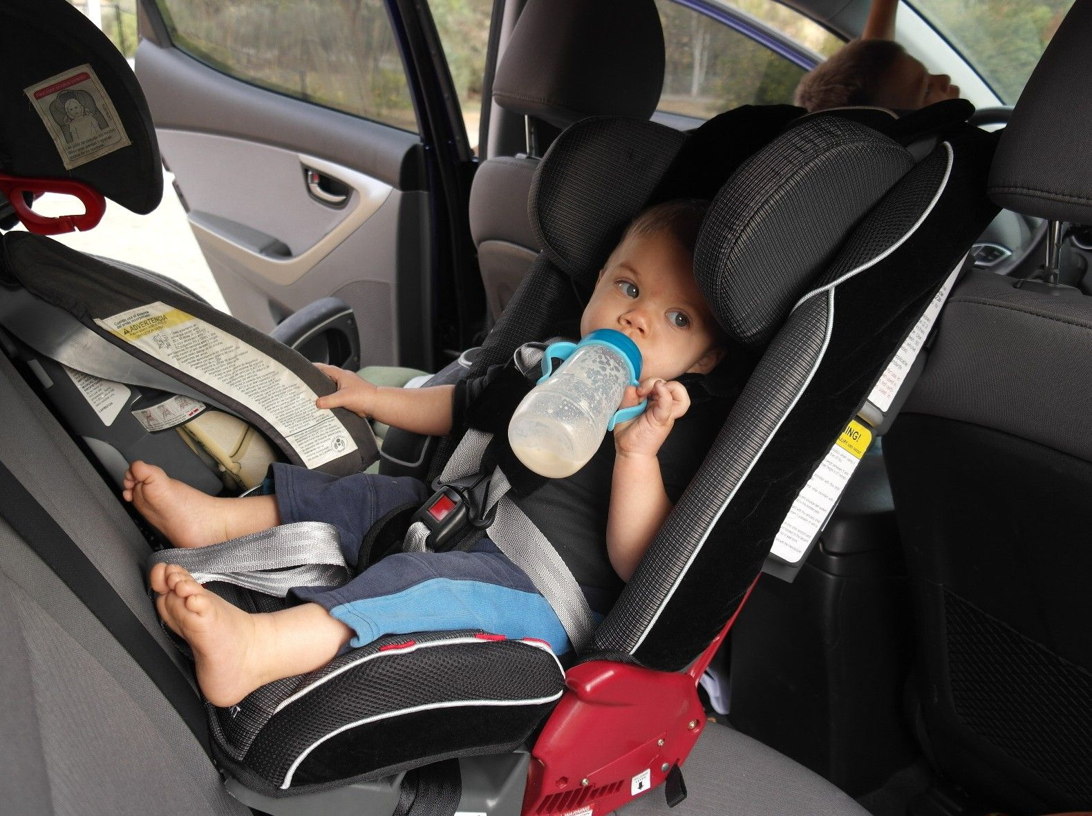 Our Favorite Slim Car Seats That Go From Rear To Forward Facing Without Batting An Eye And Taking Over Your Whole Backseat
