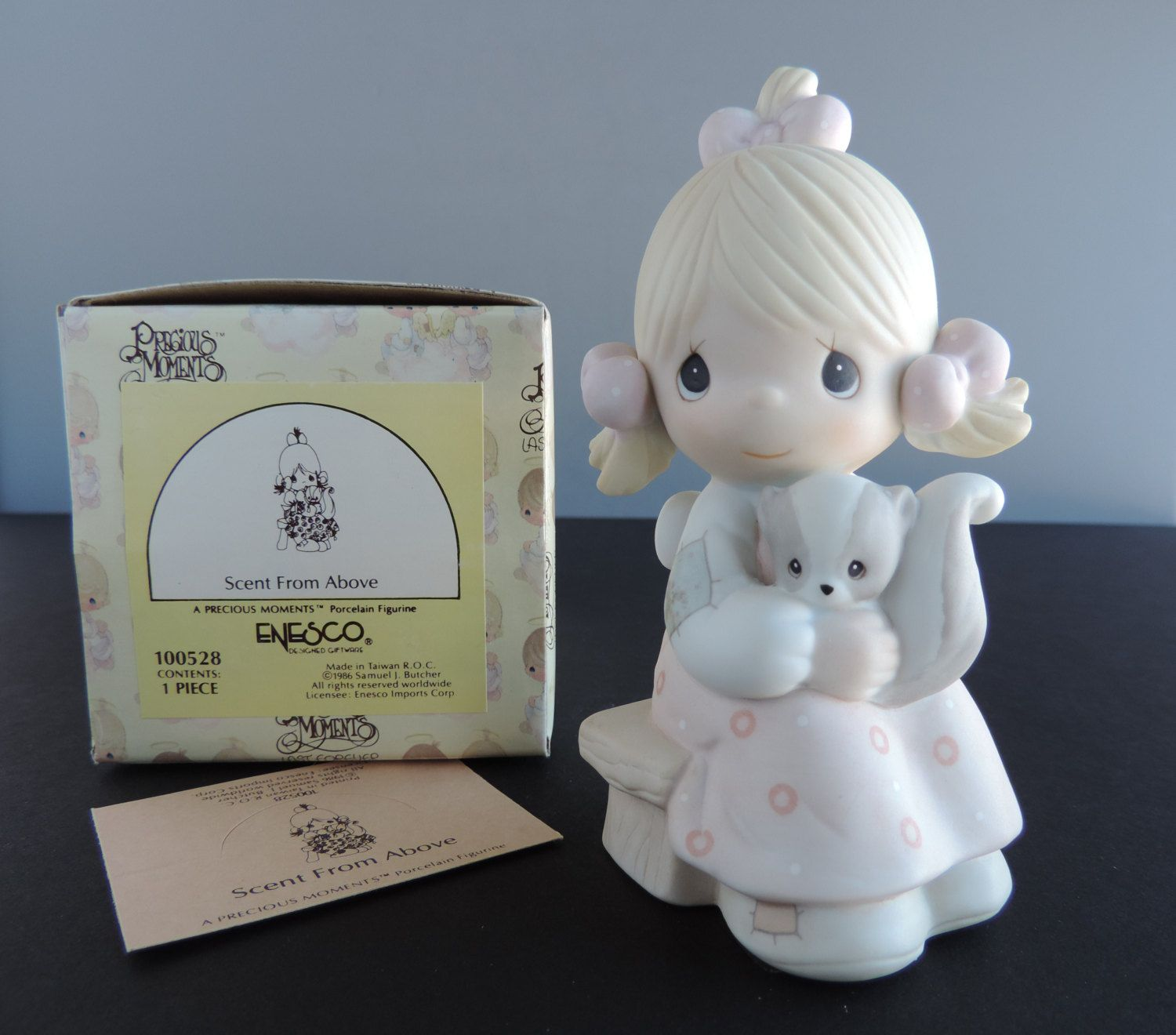 Precious Moments Scent From Above Girl Skunk 1986 100528 Figurine