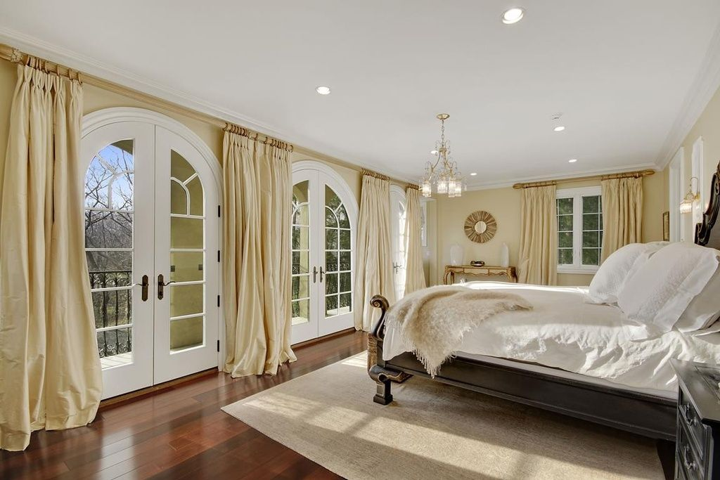 Traditional Master Bedroom Decorating Ideas Pictures   With A Beautiful  Balcony View To The Nature. Big White Double Doors, White U0026 Beige Long  Drapes And ...