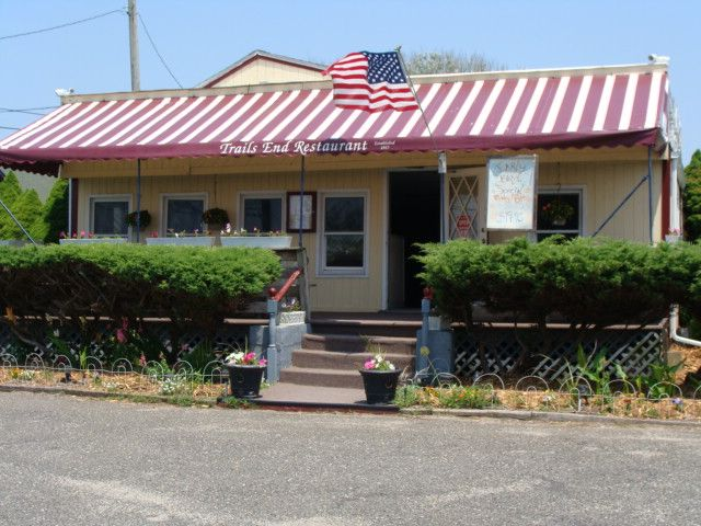 Trails End Restaurant Montauk Fine Food family owned since 1984