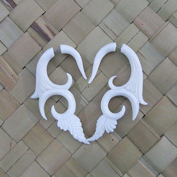 Bone Earring Fake Gauge Bone Fake Piercing Spiral par BaliCantik, $15.00