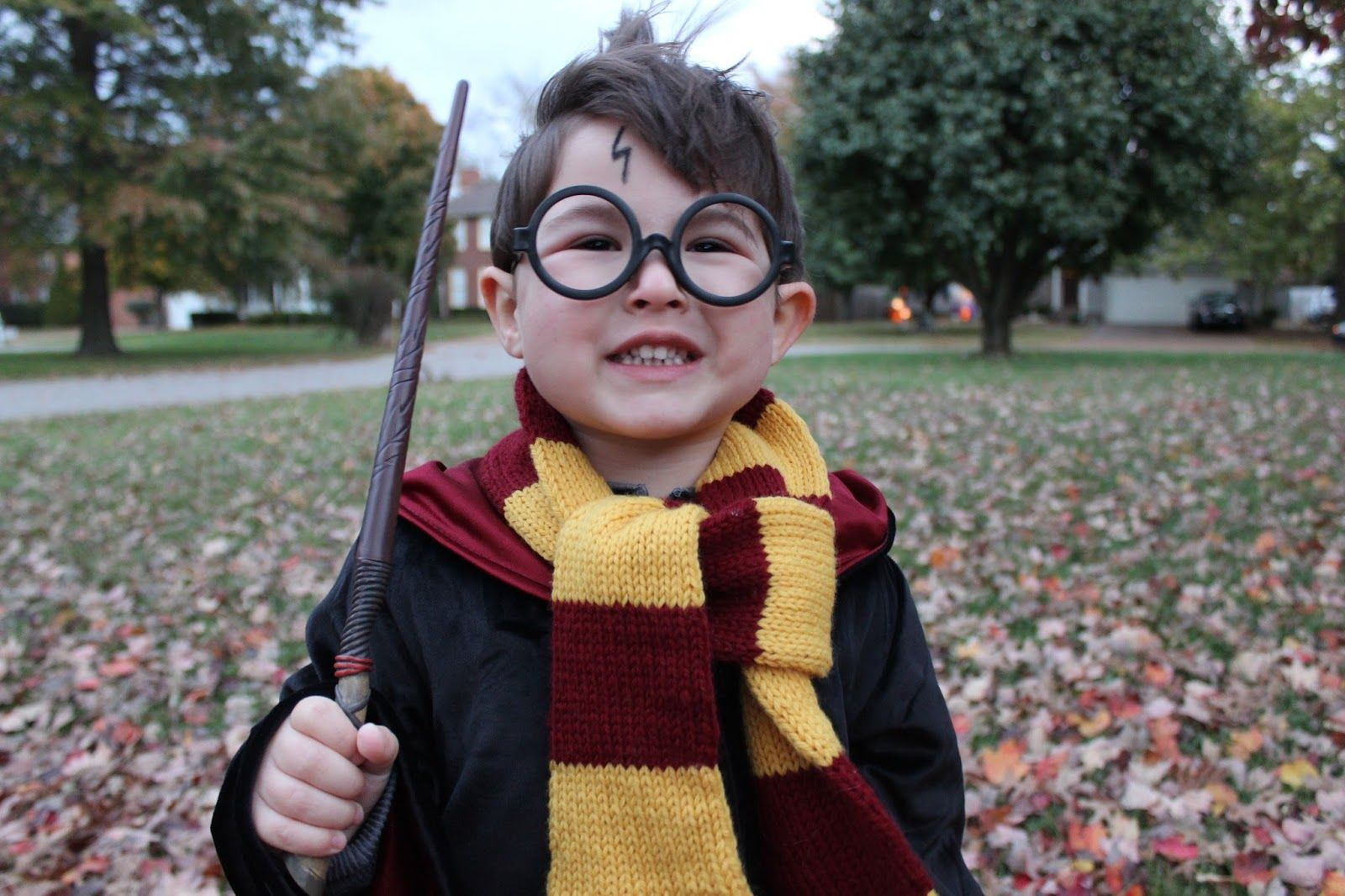 Diy Halloween Costumes For Littles Harry Potter Costume Diy Baby Harry Potter Costume Harry Potter Gifts Diy