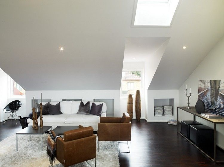 Dachschraege Ideen Wohnzimmer Modern Hellgraue Farbe Einbaustrahler