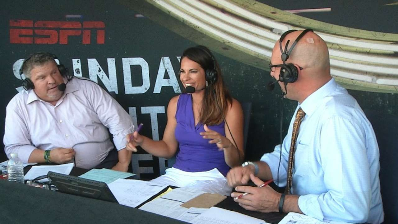Jessica Mendoza The 1st Woman To Call Playoffs Jessica Mendoza Baseball Playoffs Wild Card