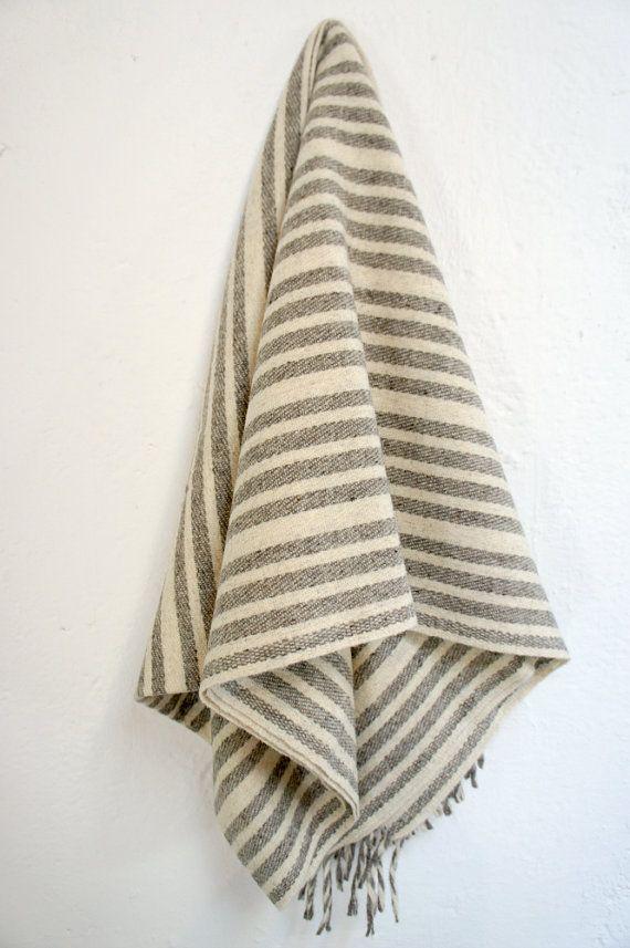 Wool Blanket 'Marfa' von mexchic auf Etsy, $90.00