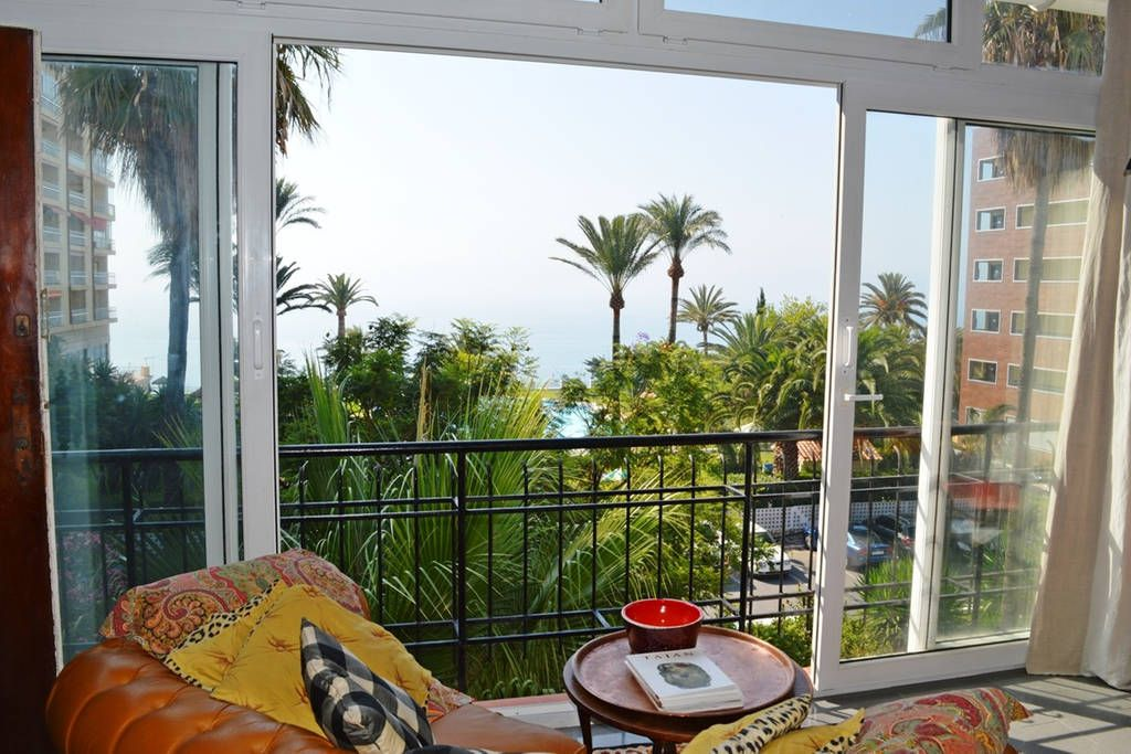 Schau Dir dieses großartige Inserat bei Airbnb an: Palm trees and beautiful sea view in Torremolinos