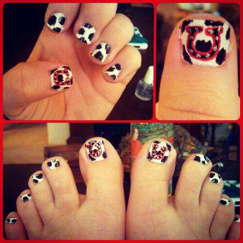Cow Print Horseshoe Nail Art Horse Shoe Nails Horseshoe Nail Art Summer Toe Nails