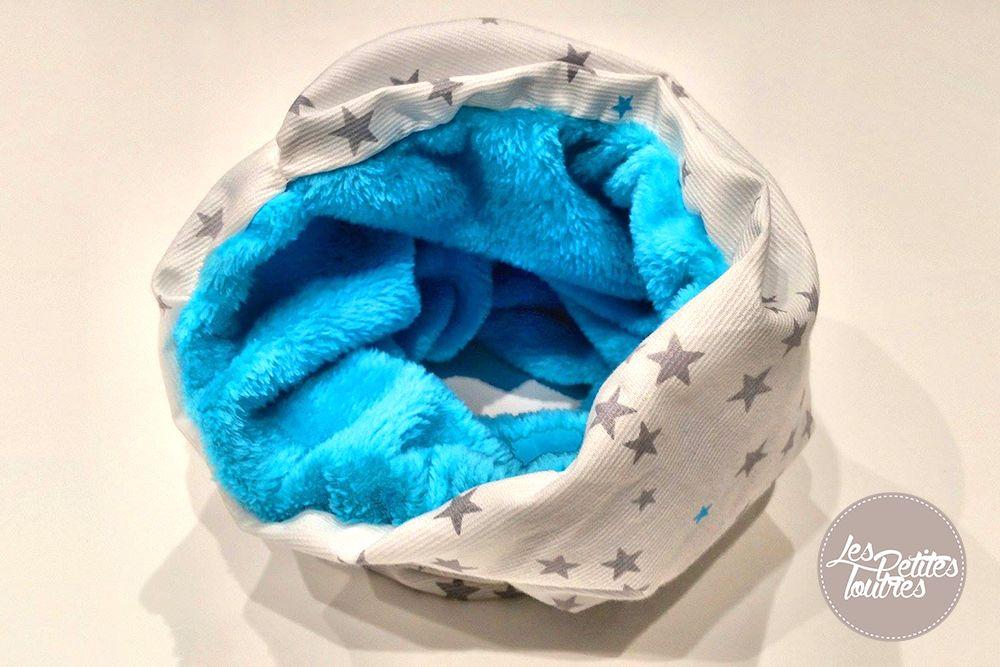 d couvrez un tutoriel pour r aliser un tour de cou en polaire pour enfant ce snood en polaire. Black Bedroom Furniture Sets. Home Design Ideas