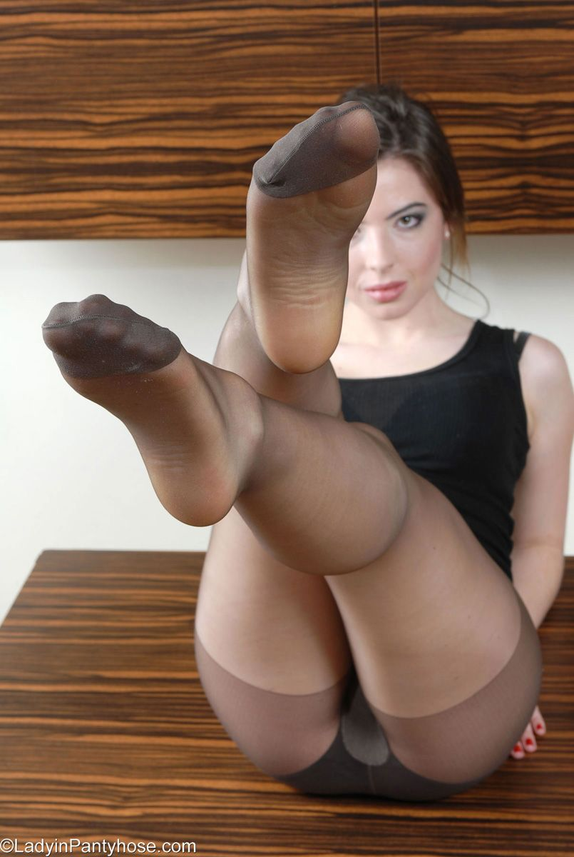 Male nylon and pantyhose stories