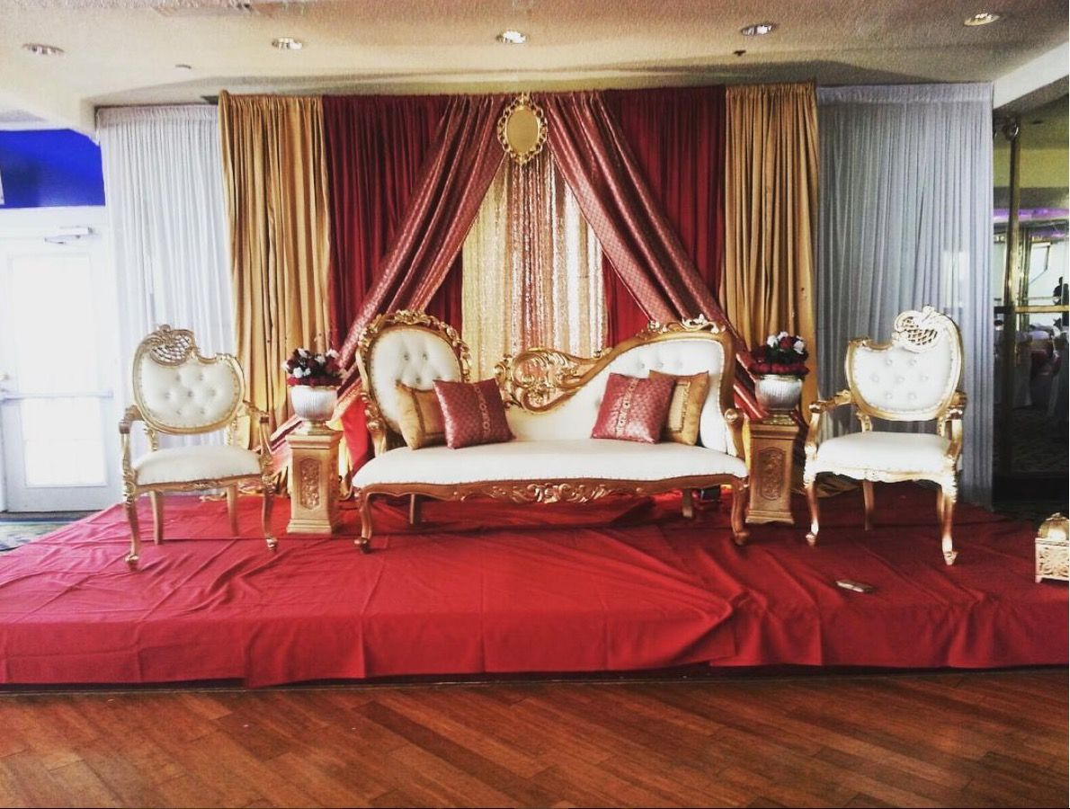 Royal red bedrooms decor