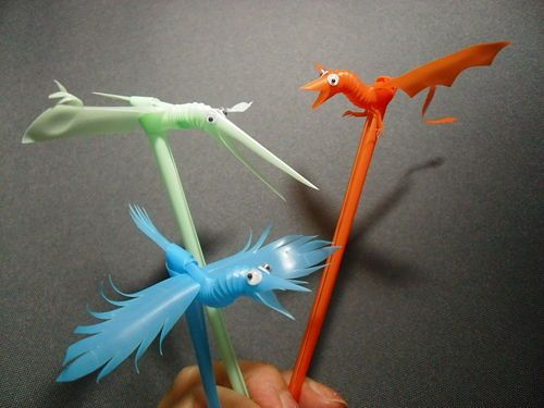 Make bird puppets from plastic straws birds things to for Plastic straw art