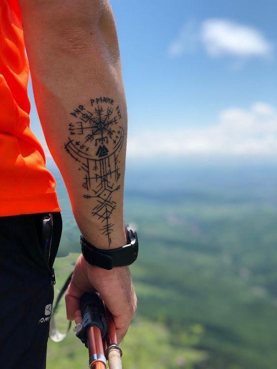 Weitere Tattoo-Ideen finden Sie auf unserer Website 👉 positivefox.com #forear…