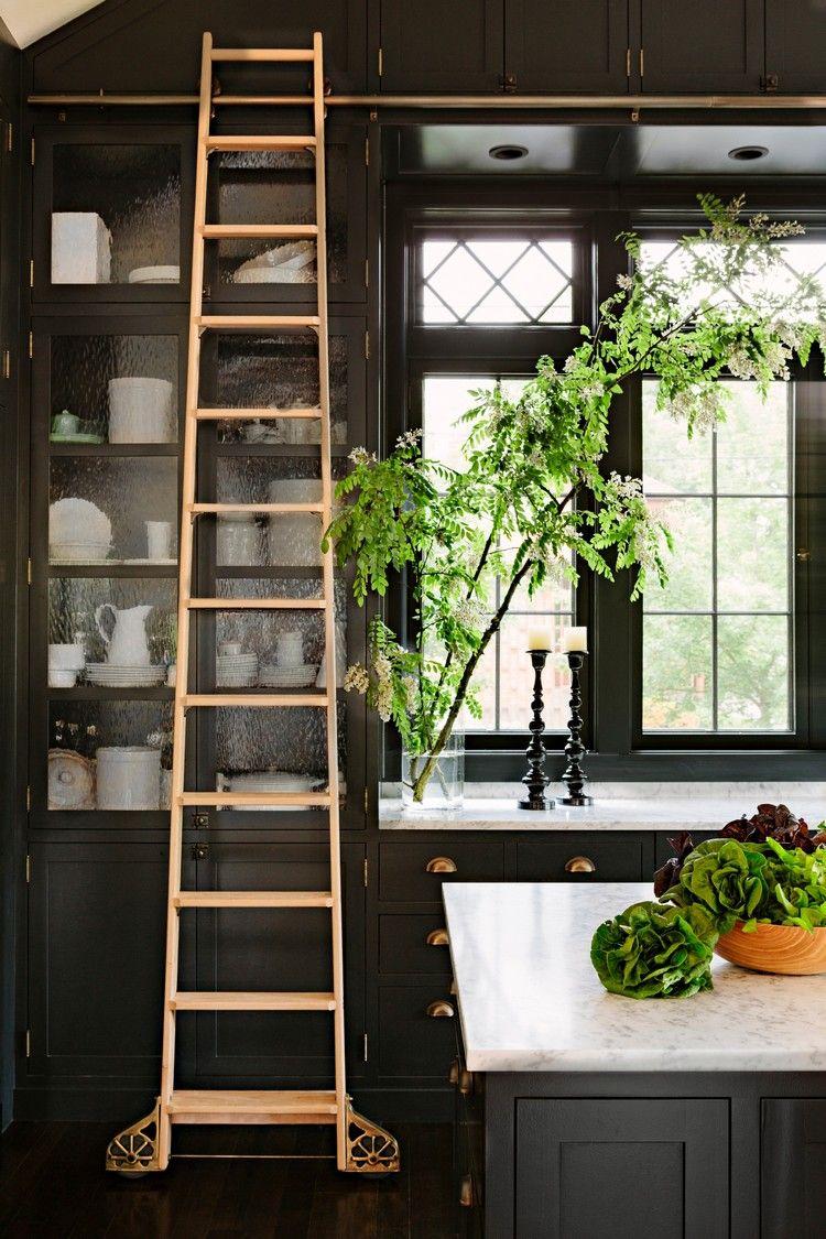 hohe küchenhängeschränke schiebeleiter praktische lösung #küche ...