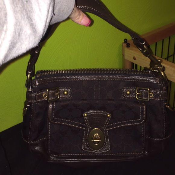 Brown coach bag Brown leather coach bag with striped insides Coach Bags Shoulder Bags