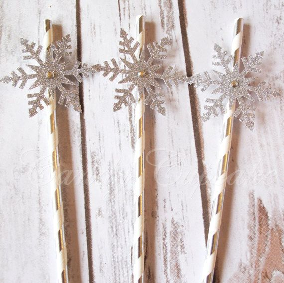 25 Glitter Snowflake Drinking Paper Straws by CandyCupcakeShop