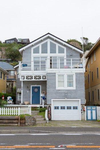 稲村ヶ崎のサーファーズハウス目の前に水平線が広がる海沿いの家の