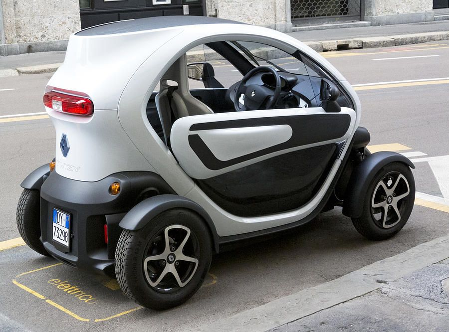 Electric Car Rental >> Milan Italy Twizy Rental Electric Car Side And Back Milan