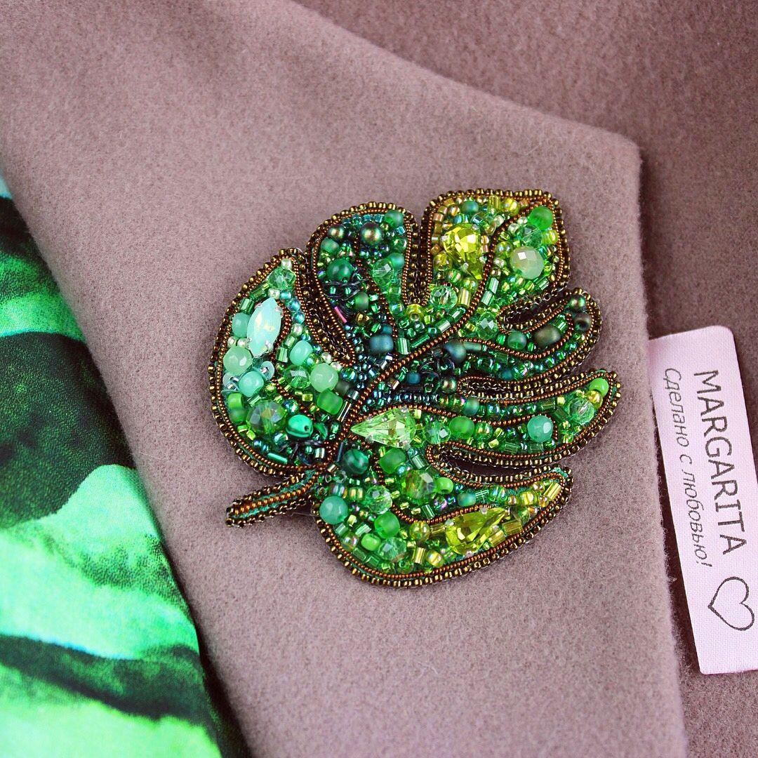 ed1bf66558d8 Яркая и универсальная,с множеством зеленых оттенков  брошь