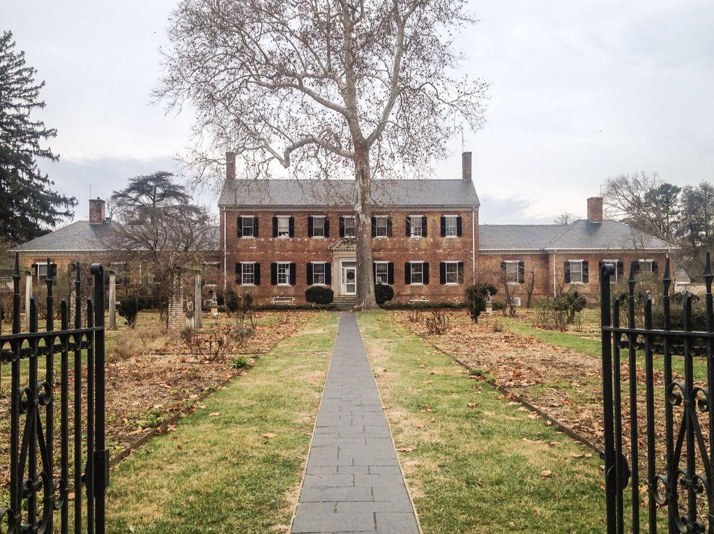 Chatham Manor, Fredericksburg Va. (via Chaps+Rascal)