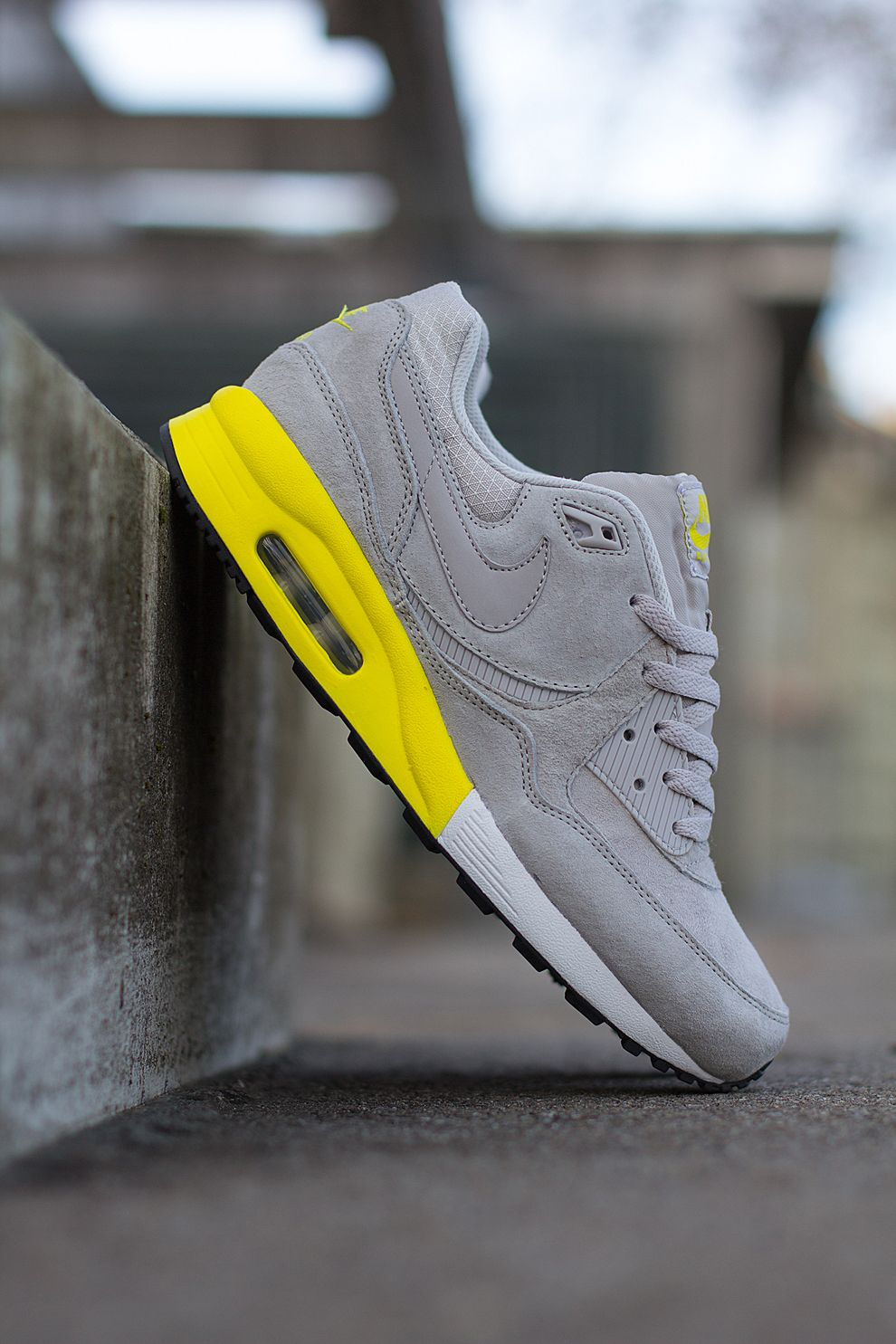 size 40 8767a 2728a Nike Air Max Light Premium  Grey  Yellow