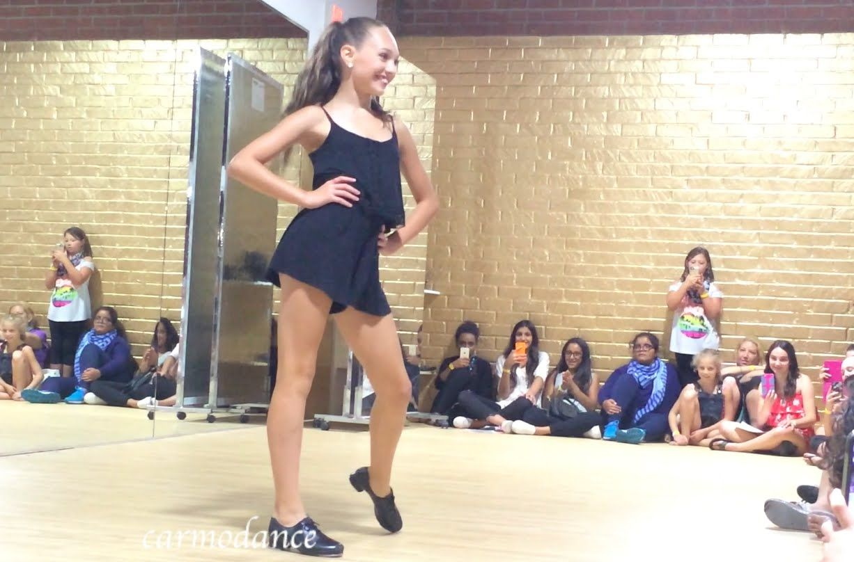 Maddie ziegler these boots were made for walking aldc la meet and maddie ziegler these boots were made for walking aldc la meet and greet m4hsunfo