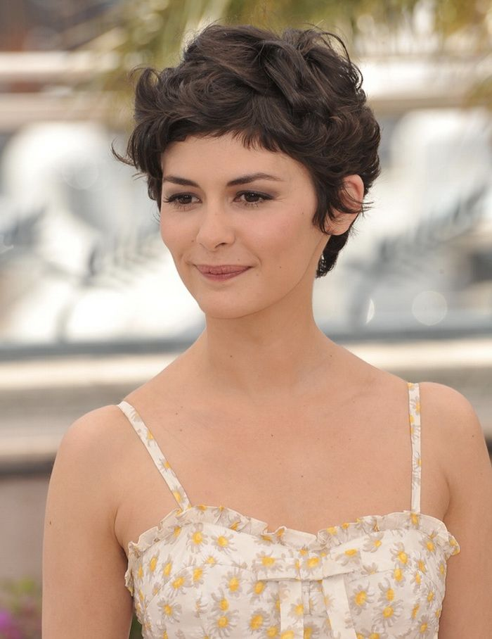 Most Beautiful Looking Short Hairstyles For Wavy Hair Fave Hairstyles Really Short Hair Short Wavy Hair Short Hair Styles