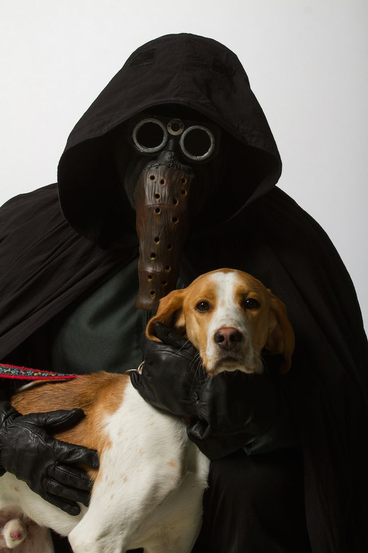 Star Wars Cosplayers Pose With Adorable Shelter Animals To Promote