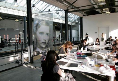 Fashion School Produced By Istituto Marangoni Goruntuler Ile