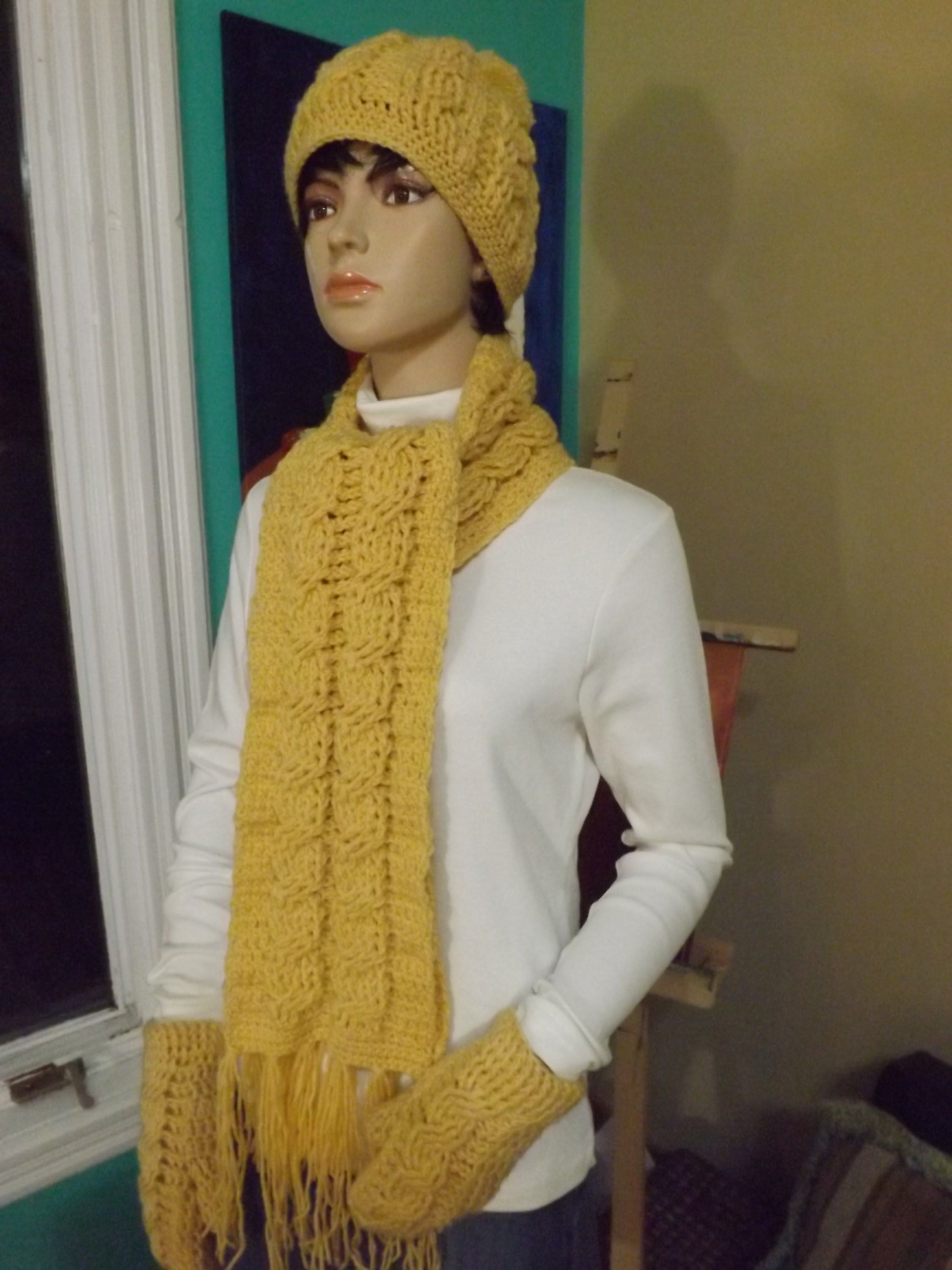 885c78d58 Crochet Cable Scarf (+playlist) by Ruby Stedman, her work is amazing ...