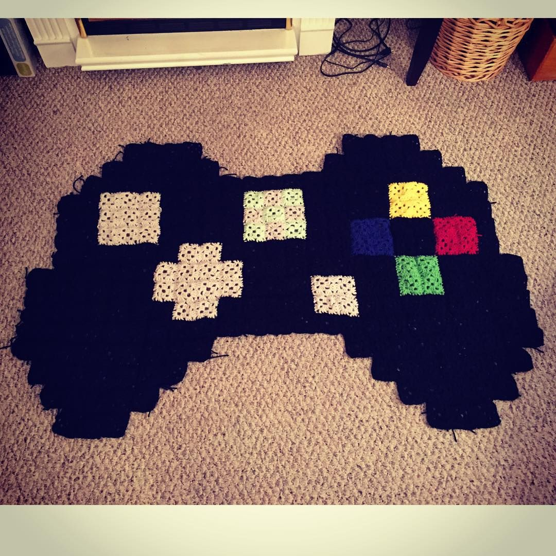 Instagram Photo By Jenn Calhoun Aug 25 2015 At 3 51am Utc Crochet Rug Patterns Pixel Crochet Blanket Crochet Game