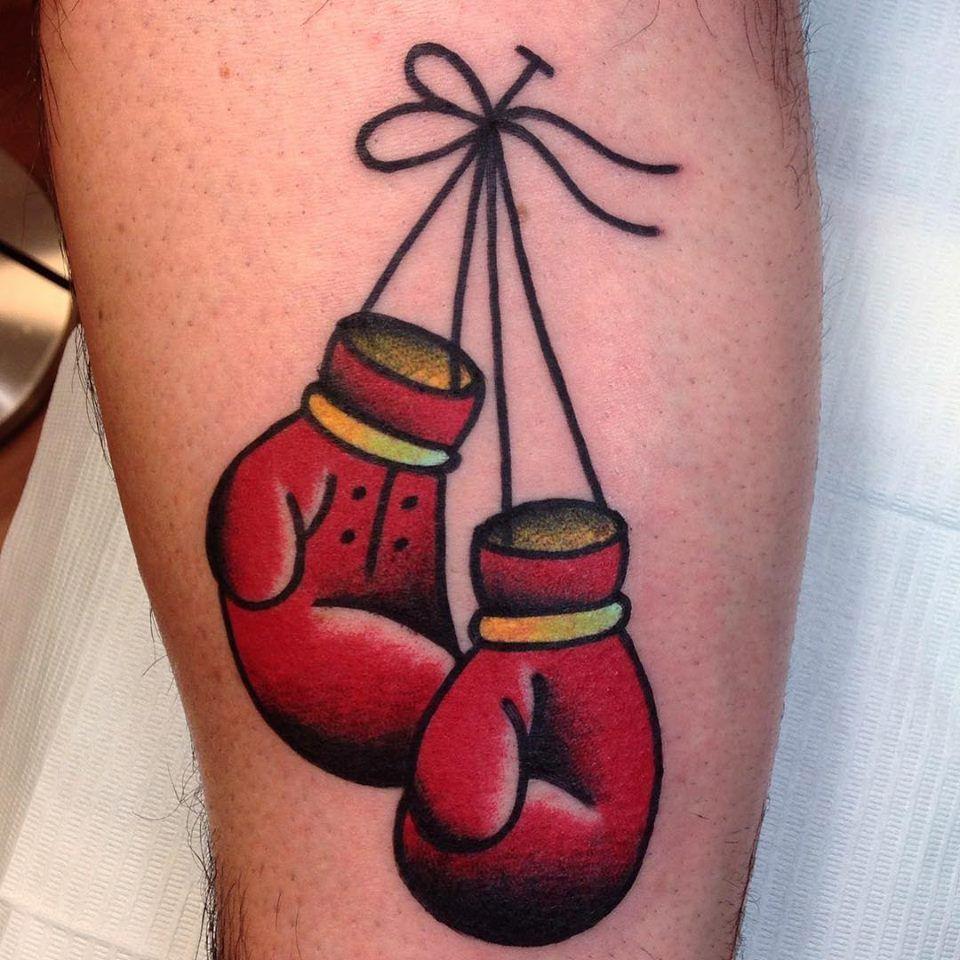 Gants de boxe fait par notre tatoueur vinny chez bodkin - Gant de boxe dessin ...
