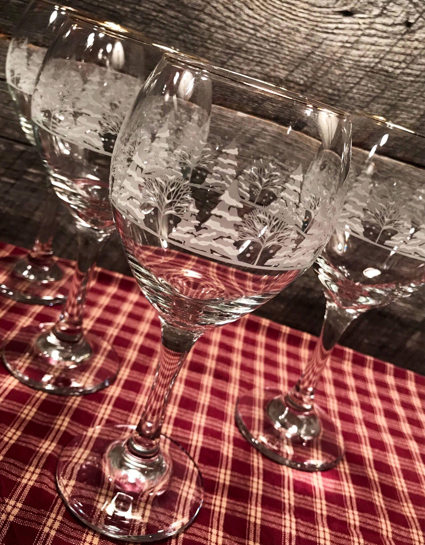 Pin By Jo Ellen On Table Decorations In 2020 Christmas Wine Glasses Christmas Wine Holiday Glasses