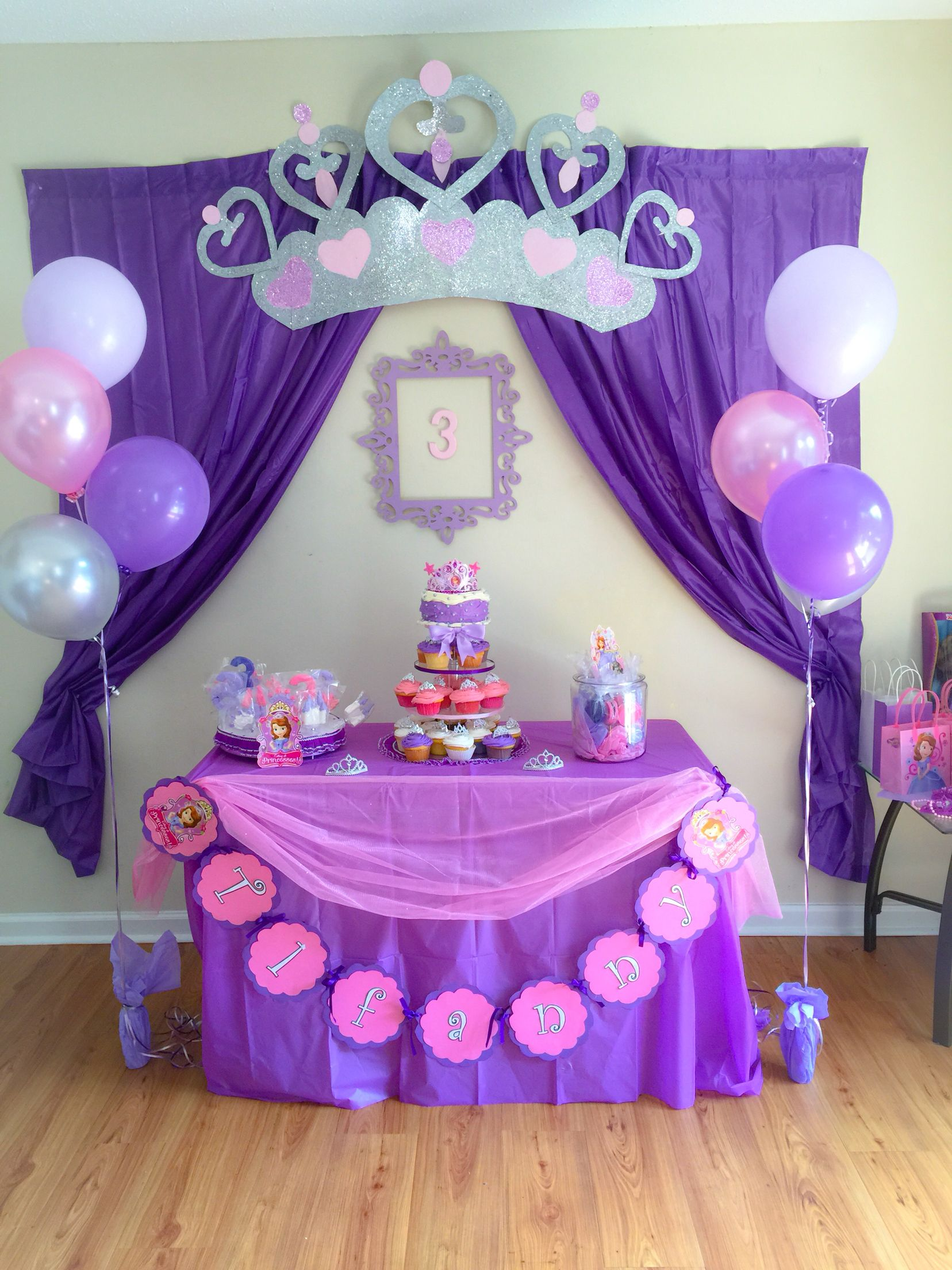 sofia the first birthday decorations pinterest princesse sofia anniversaires et prince. Black Bedroom Furniture Sets. Home Design Ideas