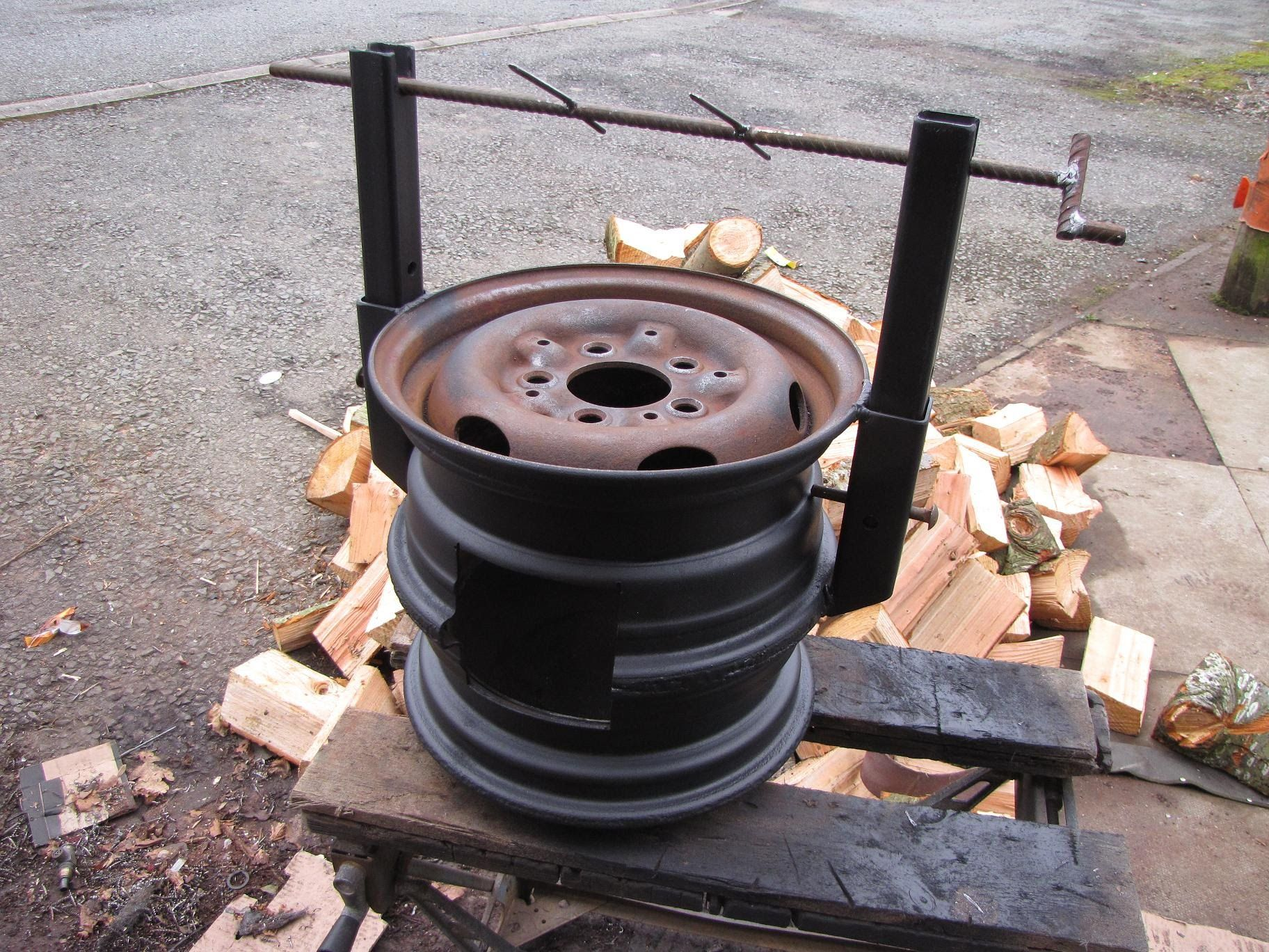 How to make your own wood stove cooker using a couple of old car rims. A really easy welding project if youve treated yourself to a new welder. When youve fi...