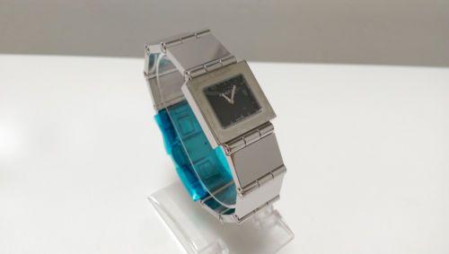 Gucci-600J-Quartz-ladies-watch-NOS