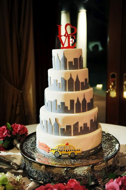 New York Inspired Wedding Cake Except That Topper Is A Piece Of