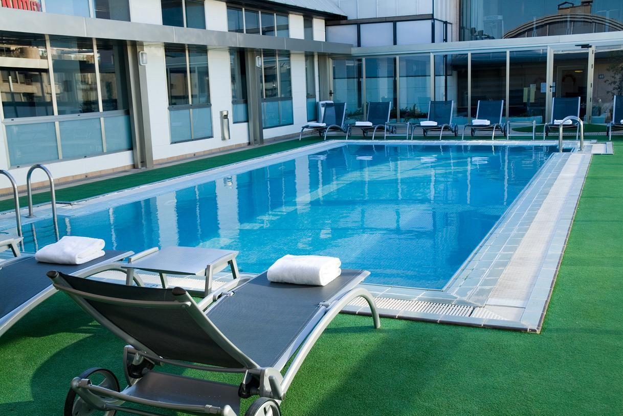 hoteles con piscina madrid exe moncloa 4 78 75