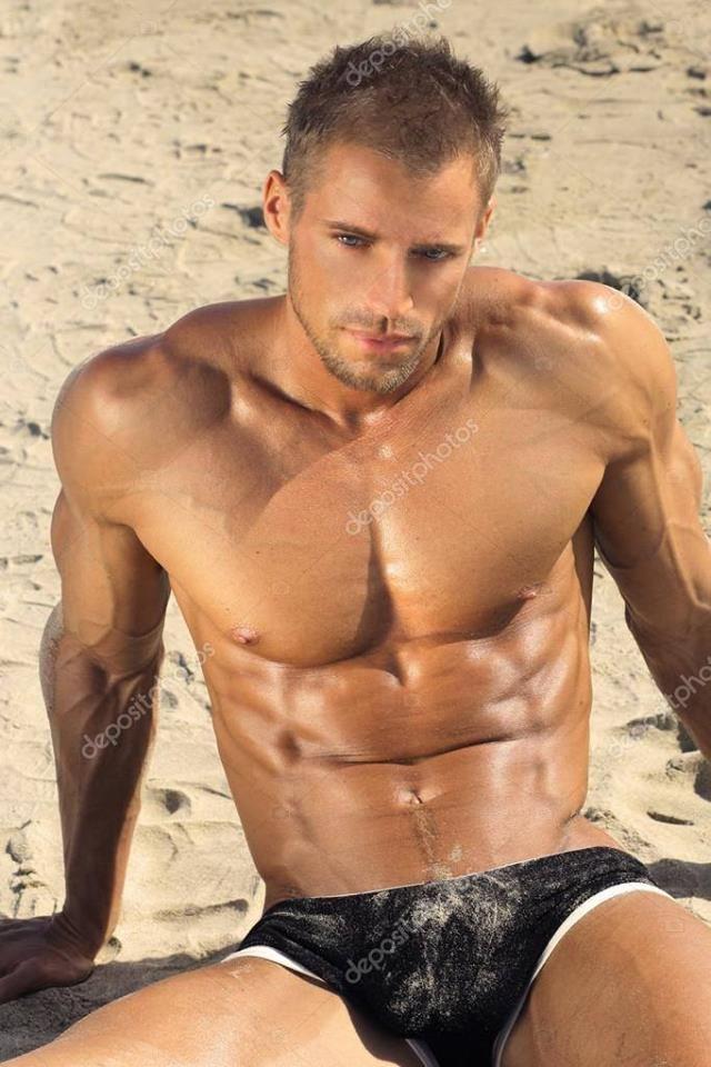 Muscle males in pleasure trip
