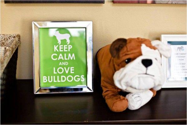 Fique calmo e ame bulldogs