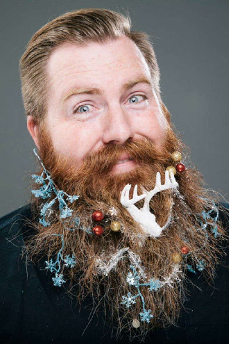 The best beards with christmas spirits. 季節のグルーミング、あごひげがツリーになるひげクリスマス  http://gqjapan.jp/culture/viral/20141219/christmas-beards?gallery_id=6#g_top