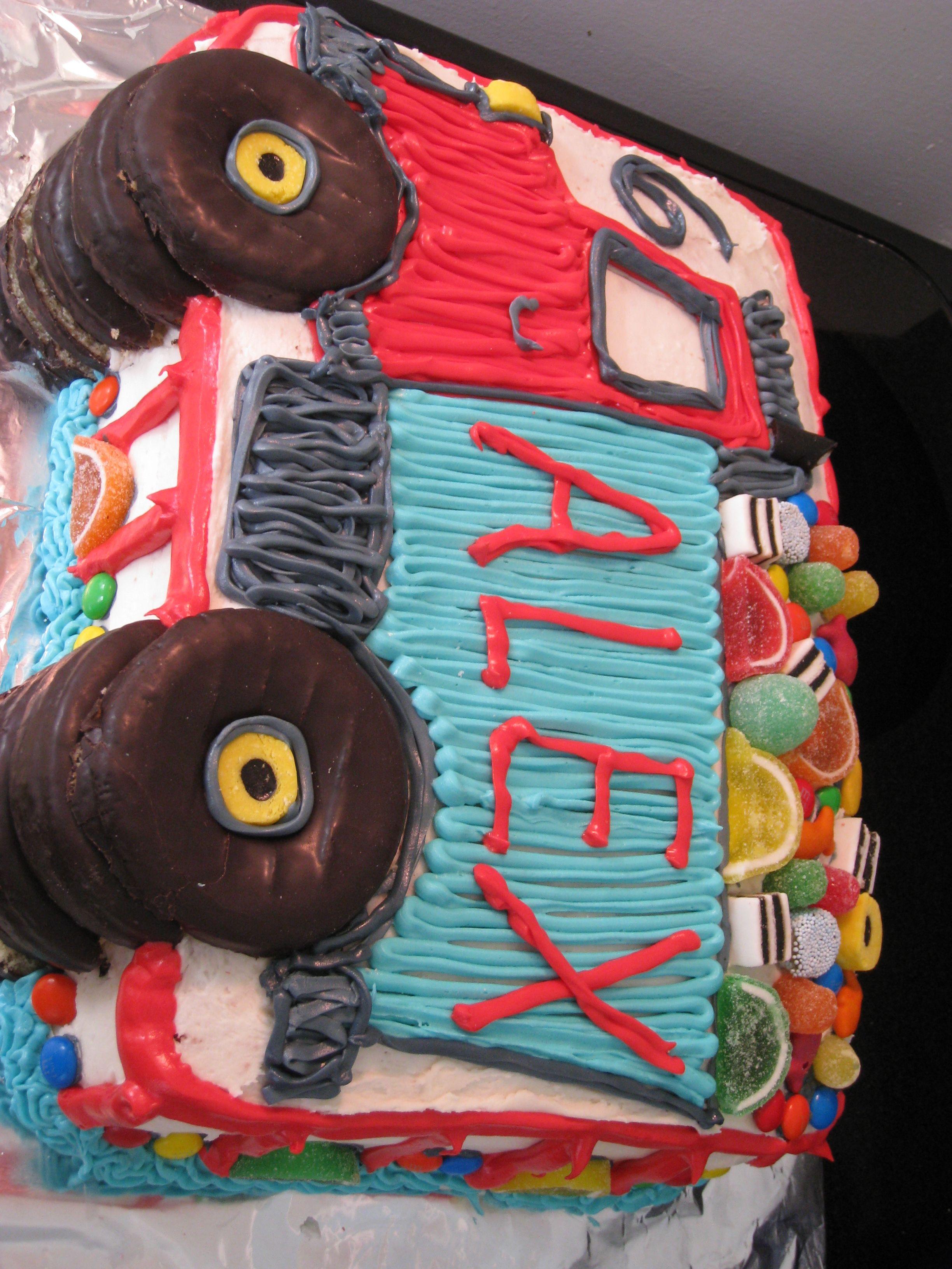 Boys Dump truck cake Natashas Treats Pinterest Dump truck