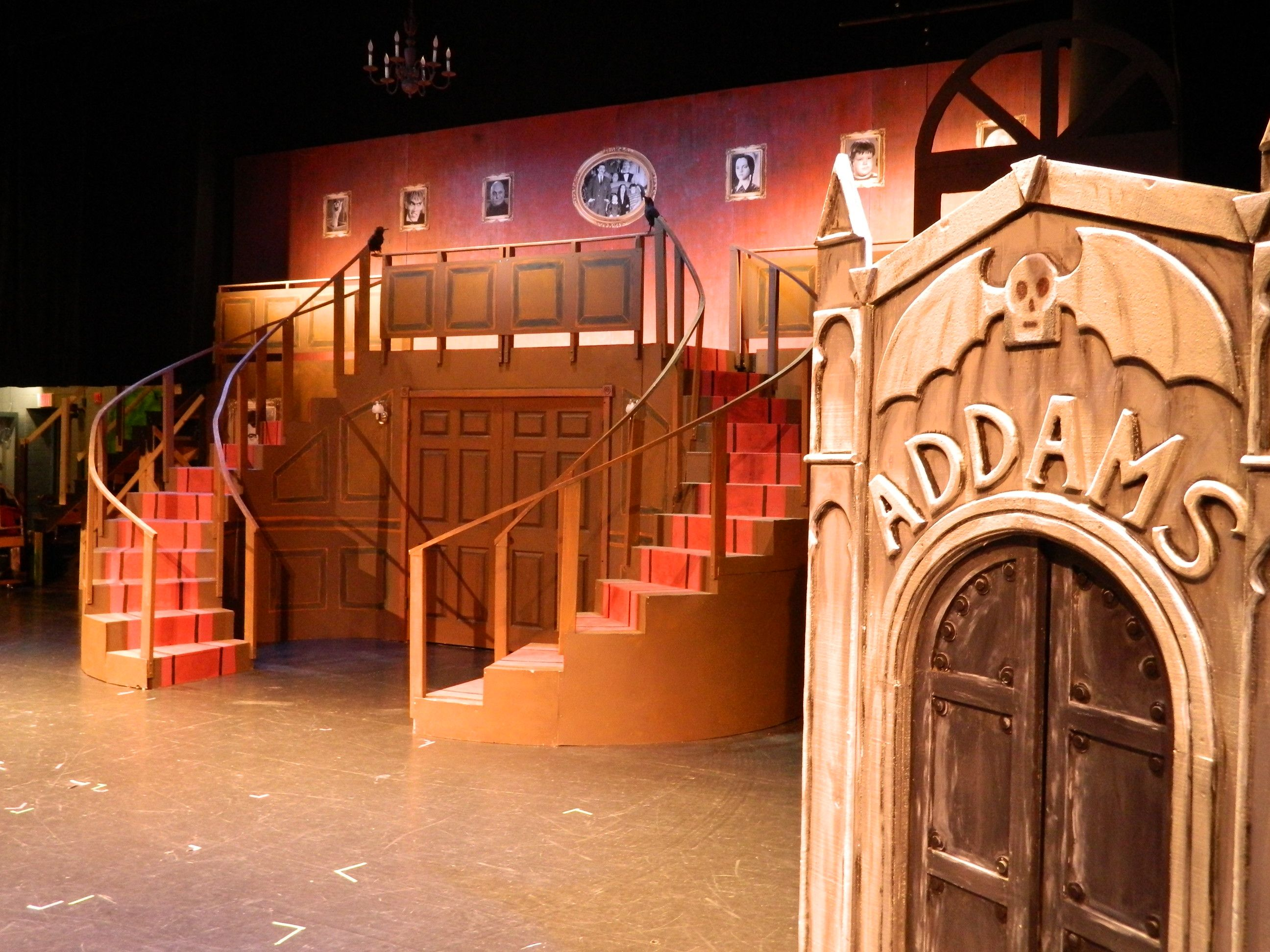 Set - Addams Family Musical