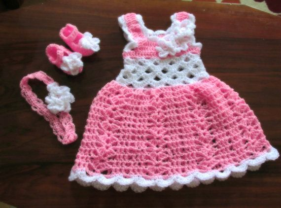 crochet baby dress, newborn baby dress, pink baby dress, white pink dress, baby outfit, take home outfit, baby shower, candy pink baby #vestidosparabebédeganchillo