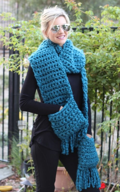 Easy Crochet Fringe Pocket Scarf: free crochet pattern Crochet LOVE! Pint...