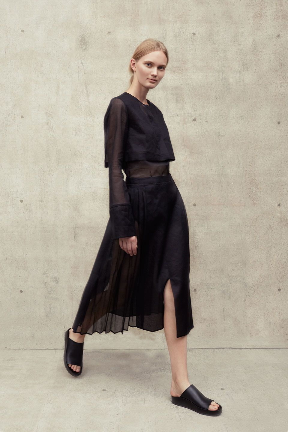 It wasBevin Butler's persistentneedfor sophisticated,yet stylish, suits that inspired her to leave her career as a lawyer to be become a full fledged designer. Her debut collection for Cade is all about tailored separates that are not only work appropriate but also relaxed and modern. 9 to 5