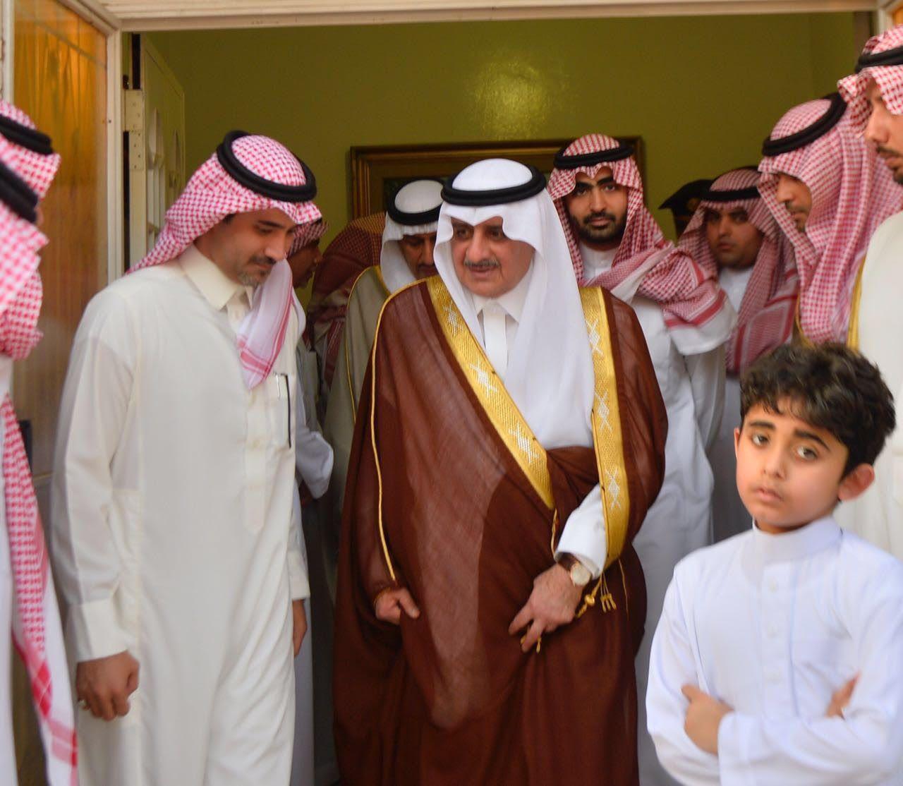 بالصور فهد بن سلطان يواسي أسرة العوده بكلمات مؤثرة Fashion Academic Dress Dresses
