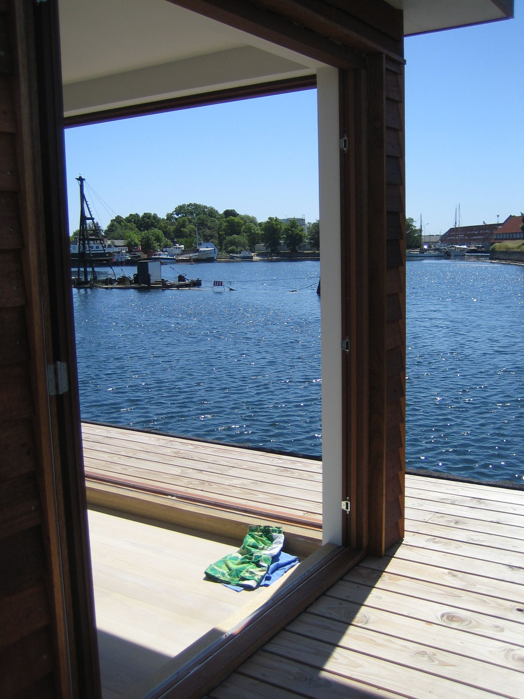 Houseboat Copenhagen, a customdesigned home build by