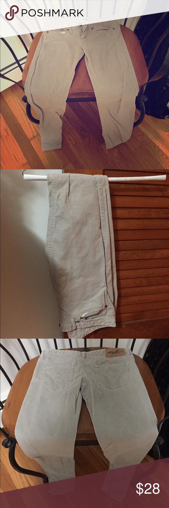 Hollister corduroy pants size 0 Gently worn Hollister corduroy pants size 0. Hollister Pants Skinny