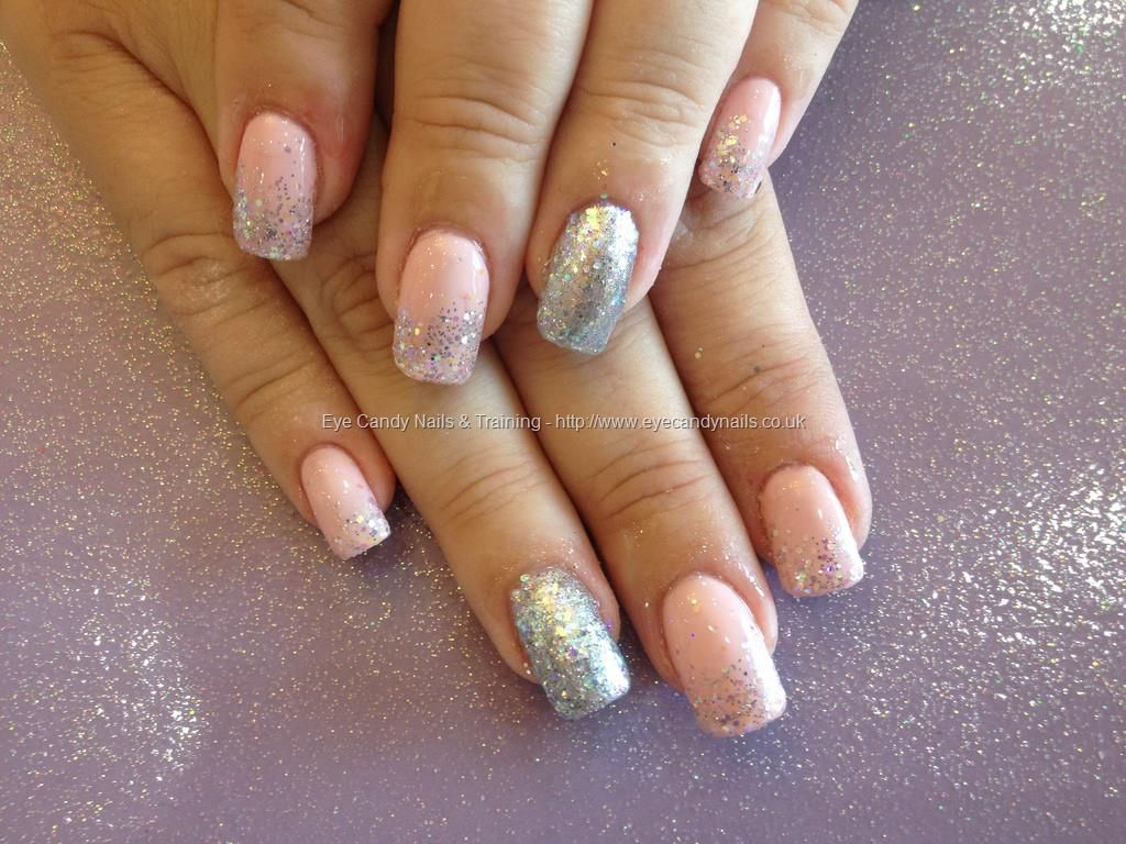 Acrylic nails@with pink and silver
