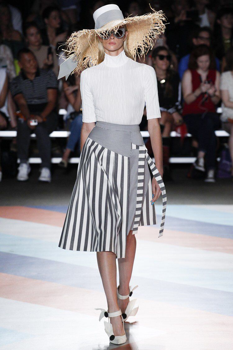 Nice skirt, Christian! Christian Siriano - Spring 2017 Ready-to-Wear